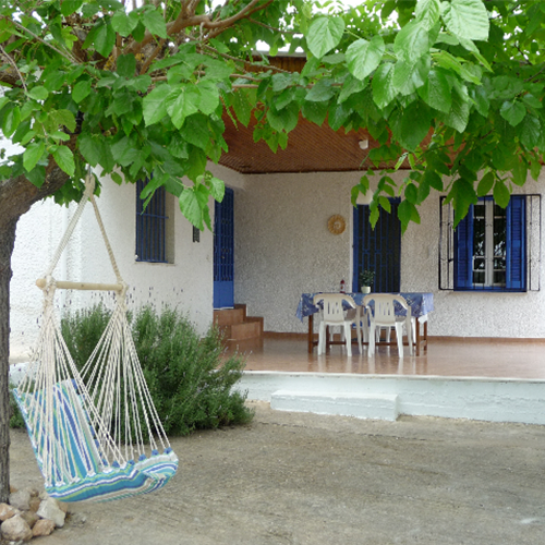 nikos-cottage-front